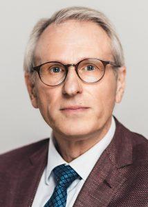 Christian Benz, Bibliotheksdirektor der Universitätsbibliothek Mannheim, geht nach 22 Jahren im Dienst Ende Juni 2017 in den Ruhestand.